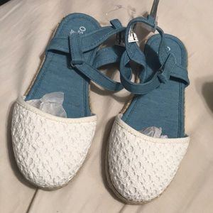 Osh Kosh sandals youth size 3